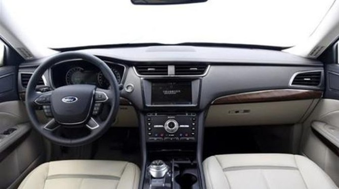 2016-Ford-Taurus-CN-version-interior