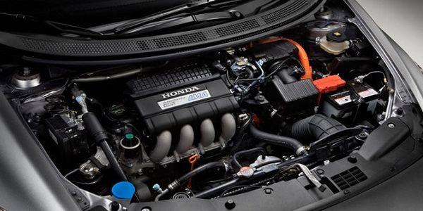 2016-Honda-CR-Z-engine