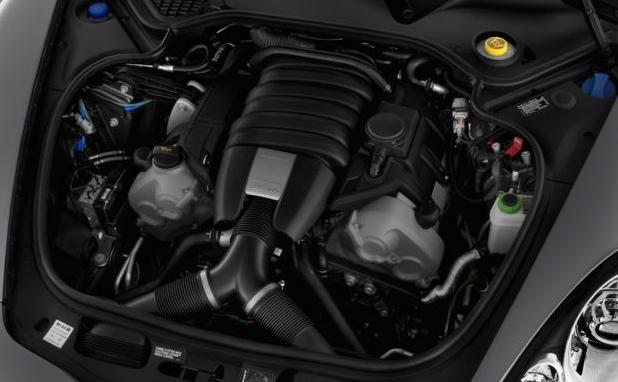 2016-Porsche-Panamera-Engine