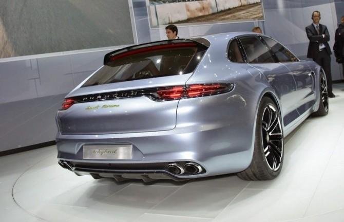 2016 Porsche Panamera Rear