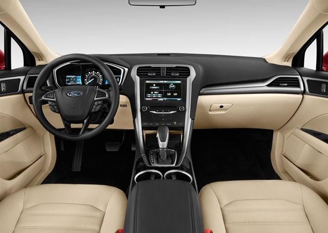 2017-Ford-Fusion-Interior1