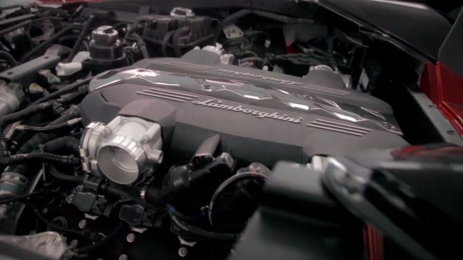 2017 Lamborghini Urus Engine