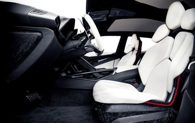 2017 Lamborghini Urus Interior