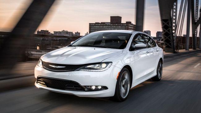 2016 Chrysler 100 Front