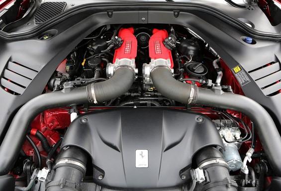 2016 Ferrari California T Engine