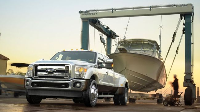 2016 Ford Super Duty Truck Towing