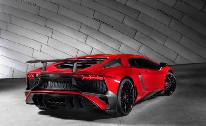 2016 Lamborghini Aventador Exterior