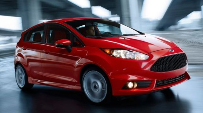 2015 Ford Fiesta RS Front Side