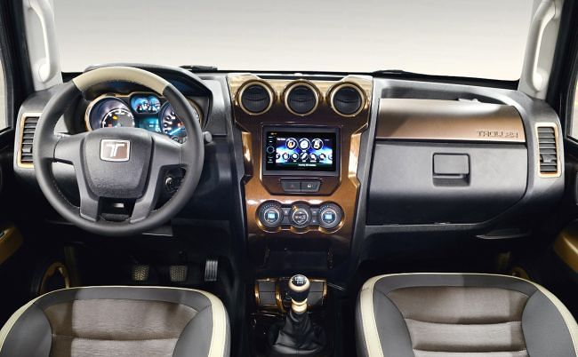 2015 Ford Troller T4 Interior