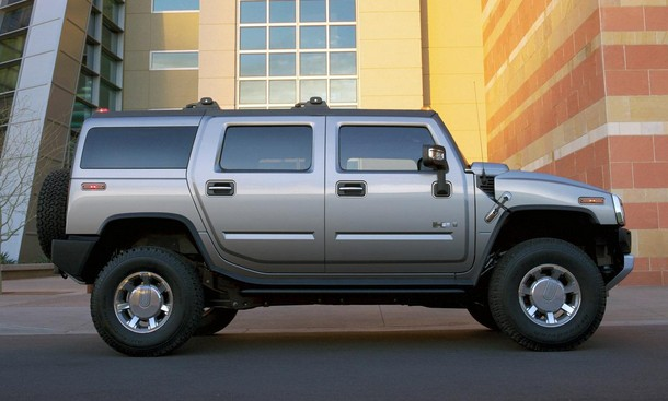 2016 Hummer H2 Side View 1