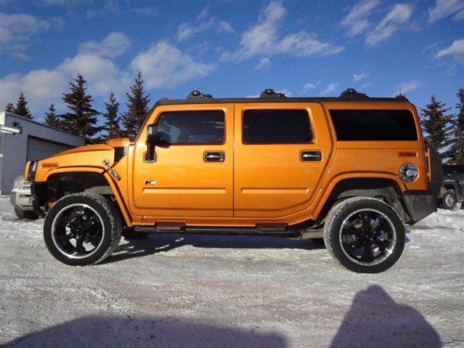 2016 Hummer H2 Side View