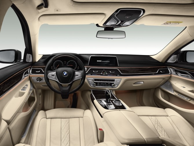 2017 BMW 5 Series Dashboard