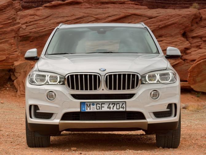 2017 BMW X7 Front