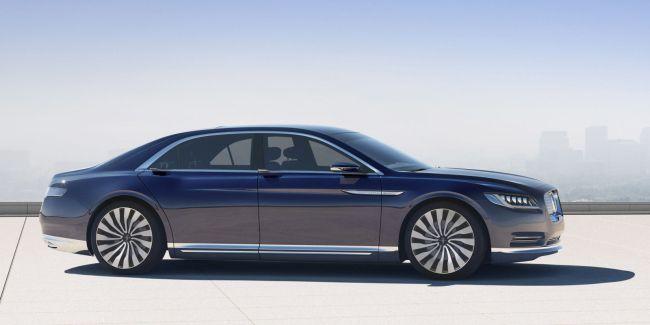 2017 Lincoln Continental 8