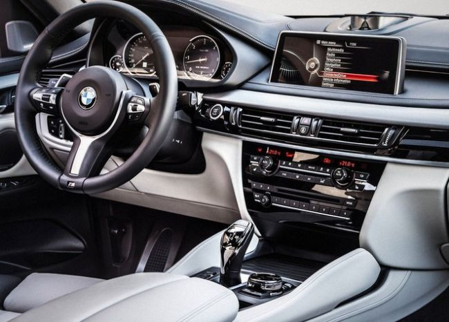 2015 BMW X7 dashboard