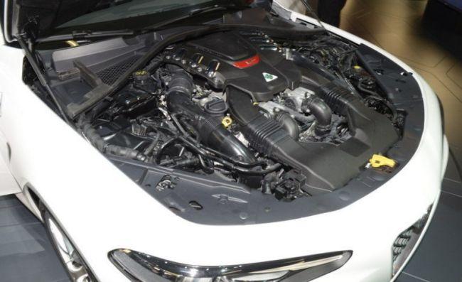 2016 Alfa Romeo Giulia QV Engine