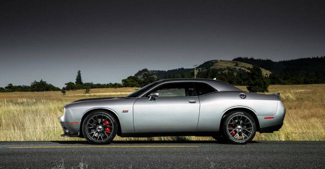 2016 Dodge Challenger Side View