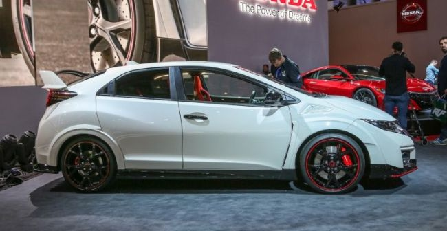 2016 Honda Civic Type R Side View