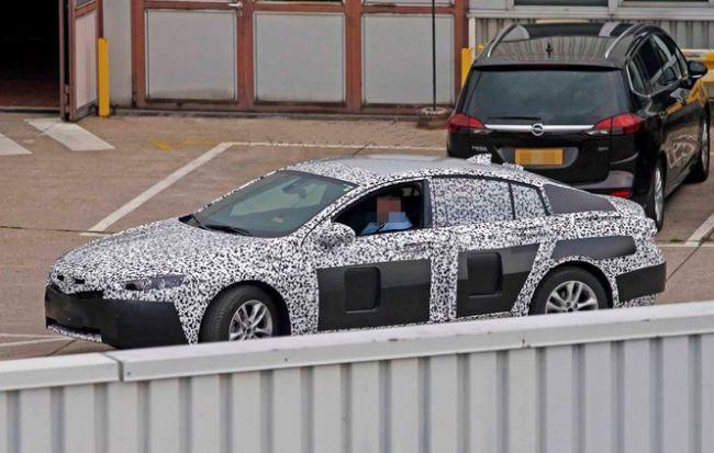 2017 Buick Regal Spy Photo Exterior