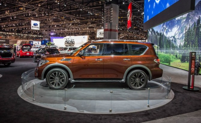 2017 Nissan Armada Side View