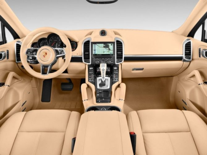 2016 Cayenne Interior - Source: thecarconnection.com