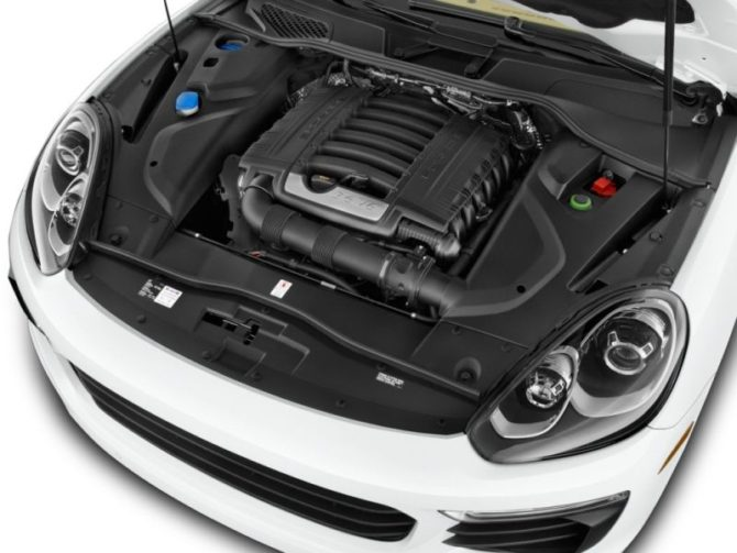 2016 Cayenne Engine - Source: thecarconnection.com